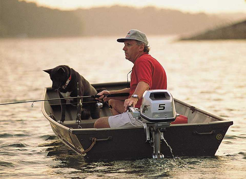 что должно быть на лодке с мотором